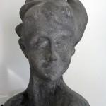 ראש אישה מאבן
